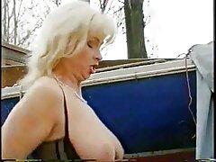 بينما كانت في الحمام ، مارس الجنس سكسي كوردي جديد صديقها مع صديقها