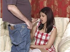لعق صديقتها سكسي جديد جديد تفوح منه رائحة العرق بين ساقيها